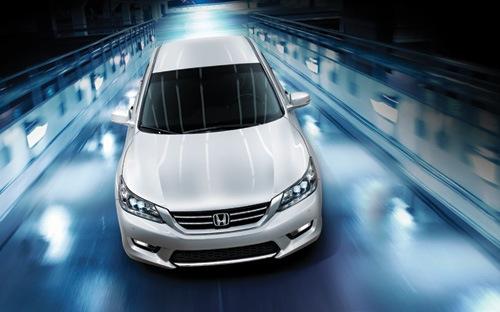 Honda Accord mới, giá cũ có mặt trên thị trường