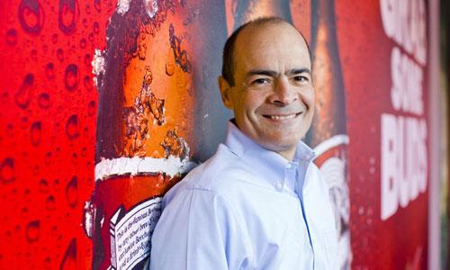Người đứng sau thương vụ kỷ lục của ngành bia thế giới