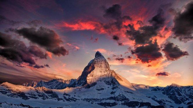 Khám phá những ngọn núi nổi tiếng nhất thế giới