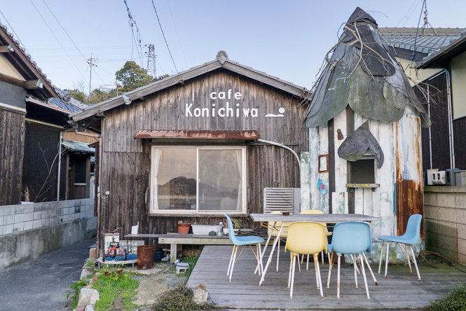 nha hang cafe konnichiwa mang phong cach co dien, la lua chon khong the bo qua khi den day - anh: peekingduck