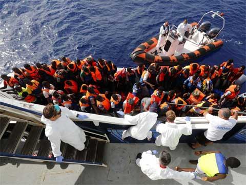 Ai đang trục lợi từ cuộc khủng hoảng di cư?