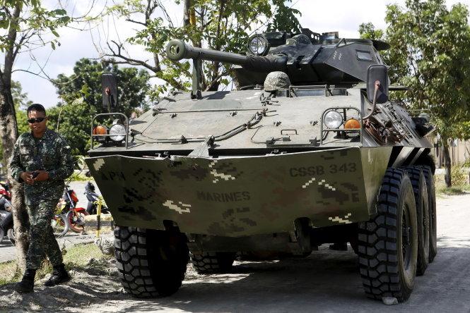 quan doi philippines trien khai xe quan su de bao ve an ninh hoi nghi apec - anh: reuters