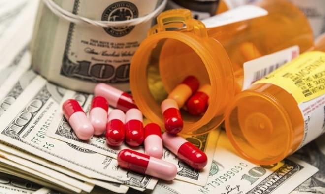 Từ vụ giá thuốc tăng hơn 50 lần, bàn về độc quyền