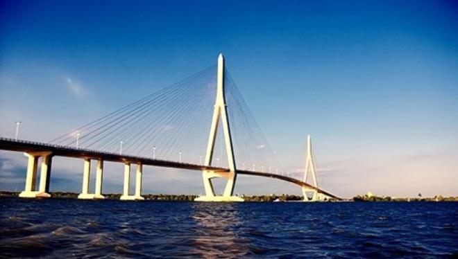"""Dự án giao thông Việt Nam """"siêu"""" đắt đỏ vì vốn vay ODA?"""