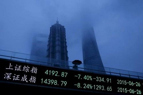 Đống nợ 16.100 tỉ USD: Bài toán khó của kinh tế Trung Quốc
