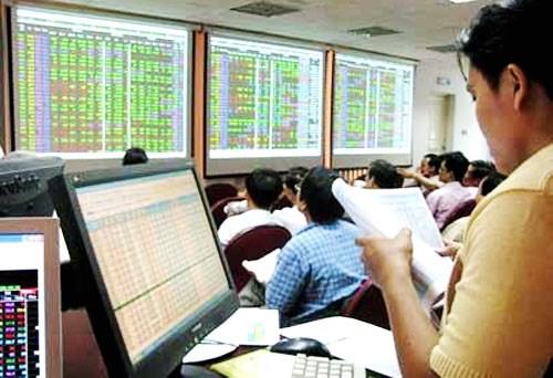 Vốn hóa thị trường chứng khoán đến cuối năm 2015 đạt 33% GDP