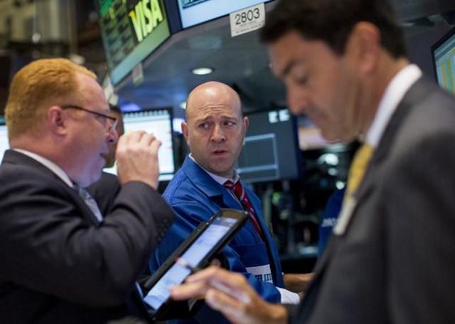 Chứng khoán toàn cầu giảm do lo ngại về triển vọng kinh tế