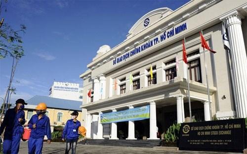 Bloomberg: Chứng khoán Việt Nam hấp dẫn nhà đầu tư ngoại bất chấp Fed nâng lãi suất