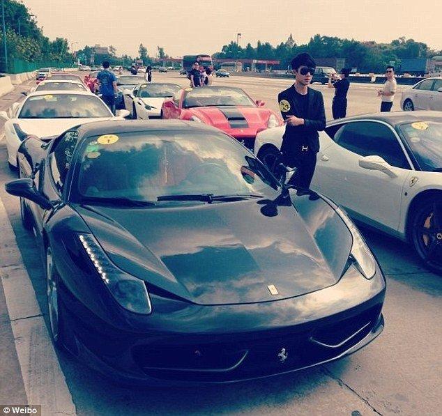 Trung Quốc trấn áp con nhà giàu ăn chơi sa đọa