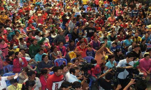 cong nhan cty tnhh pouyuen vn ngung viec tap the dau nam 2015 de phan ung dieu 60 luat bhxh. anh: t.l