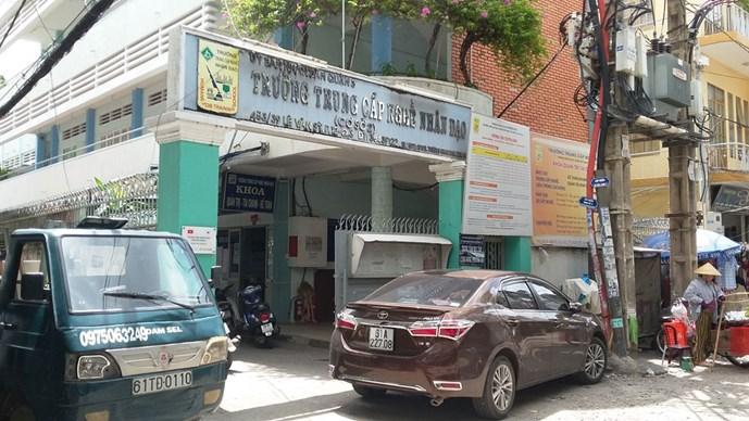 "cong ty rvdv chon truong day nghe o q.3 lam ""tong hanh dinh"" - anh: chi nhan"