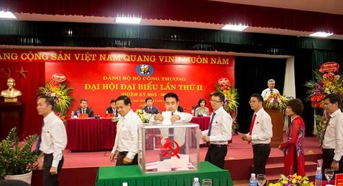 dai hoi bau ban chap hanh nhiem ky 2015-2020. anh: le hung