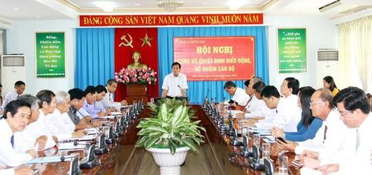 dong chi bi thu tinh uy phat bieu can dan cac dong chi duoc dieu dong tai hoi nghi