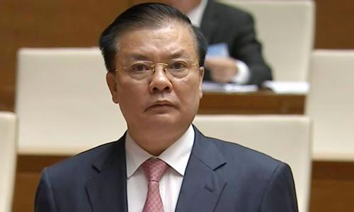 bo truong tai chinh dinh tien dung tra loi chat van truoc quoc hoi sang 17/11. anh:qd.