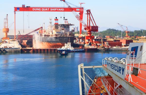 Công nghiệp tàu thủy Dung Quất đứng dậy từ bờ vực phá sản