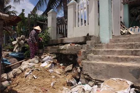 Dự án tận thu 45 triệu m3 cát: Không gây sạt lở nhà dân?