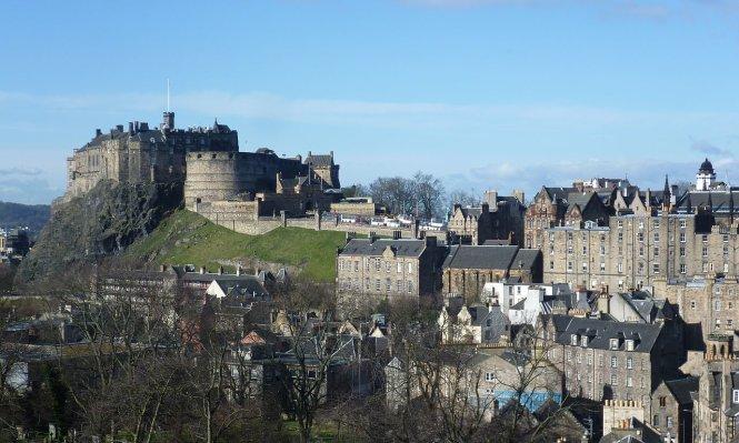 lau dai edinburgh nhin tu bao tang quoc gia scotland - anh: wiki