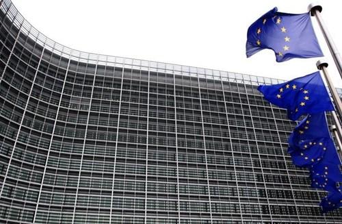 'Bức màn sắt' chia tách EU: Trở về thời xưa