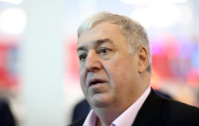 Bốn ông lớn ngân hàng Nga thừa nước đục thả câu ?
