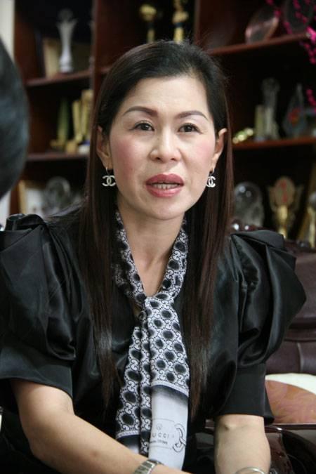 """Bạc phận hồng nhan doanh nhân Hà Thúy Linh: """"Làm ăn với nước ngoài, không dễ đâu!"""""""
