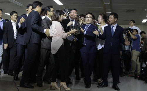 """""""Huynh đệ tương tàn"""" tại các tập đoàn lớn nhất Hàn Quốc"""