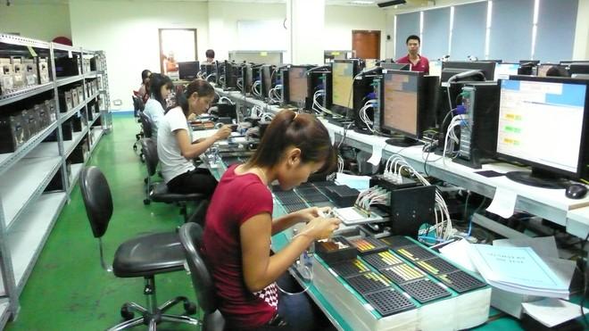 Lương tối thiểu của người lao động: Không thể tiếp tục kéo dài bất cập