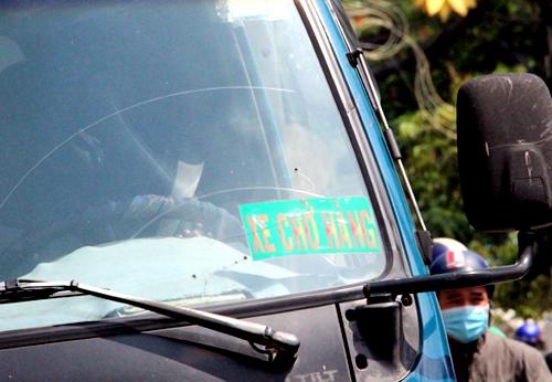 """mot trong nhung loai """"logo xe vua"""" : anh: phuoc tuan"""