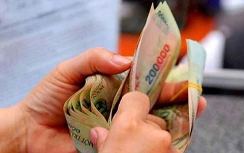 Tăng lương tối thiểu: Doanh nghiệp và người lao động bất đồng ý kiến