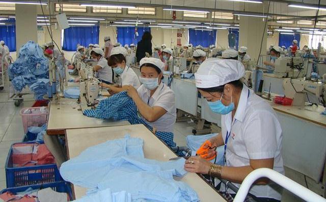 Thời trang Việt tấn công thị trường nội địa