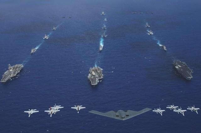 """Mỹ """"dàn trận"""" quyết đấu Trung Quốc trên biển Đông"""