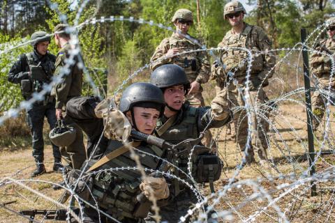 Mỹ lợi dụng Ukraine tìm tử huyệt Nga