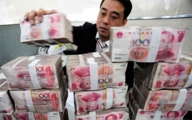 """Vay USD, doanh nghiệp Trung Quốc """"lĩnh đòn"""" vì Nhân dân tệ"""