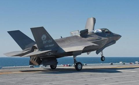 cac tau lop izumo hoan toan co the mang theo cac may bay tiem kich my f-35b