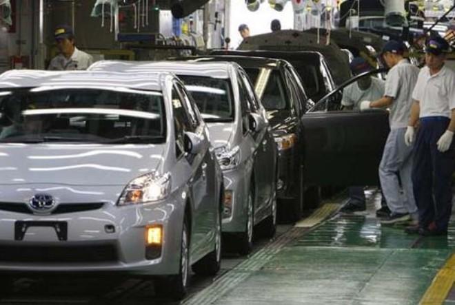 """Sợ """"vết xe đổ"""" ngành điện tử, Nhật tính cải tổ ngành ôtô"""