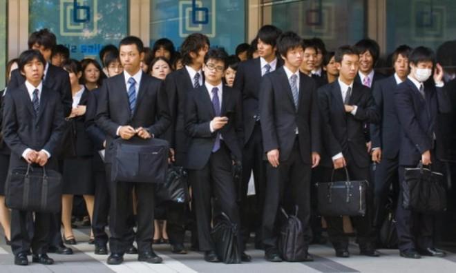 Nhật ép doanh nghiệp tăng lương để chống giảm phát
