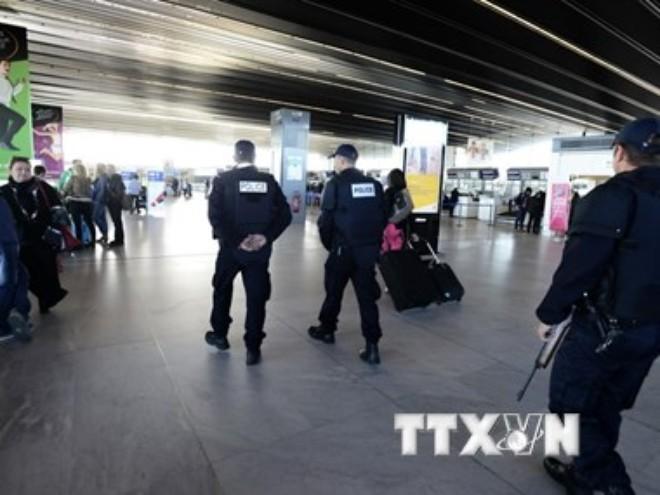 Khủng hoảng kinh tế - nguyên nhân sâu xa của vụ tấn công Paris