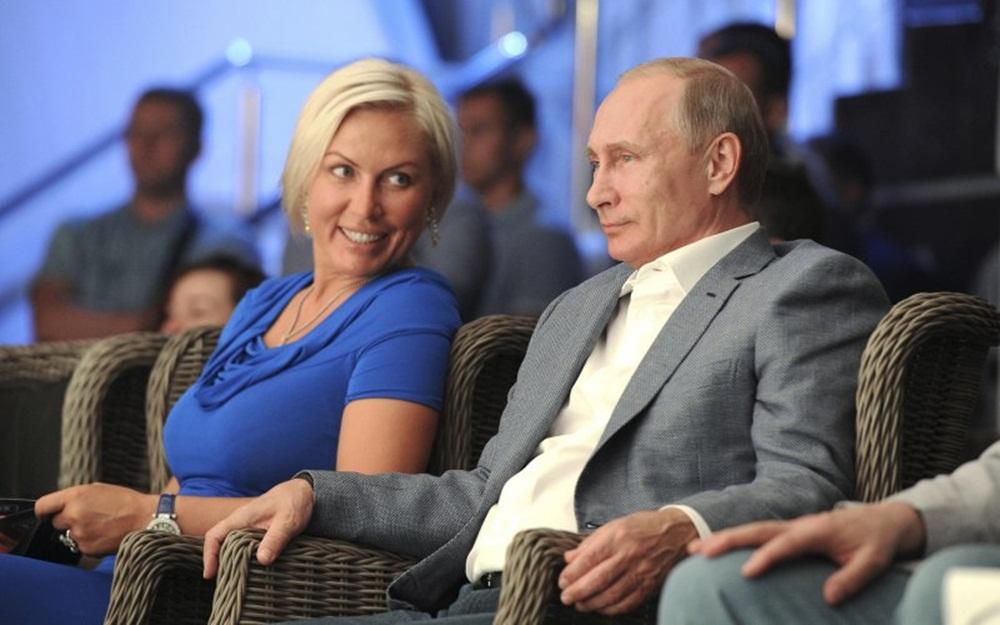 Tổng thống Putin đang hẹn hò với tay đấm nữ?