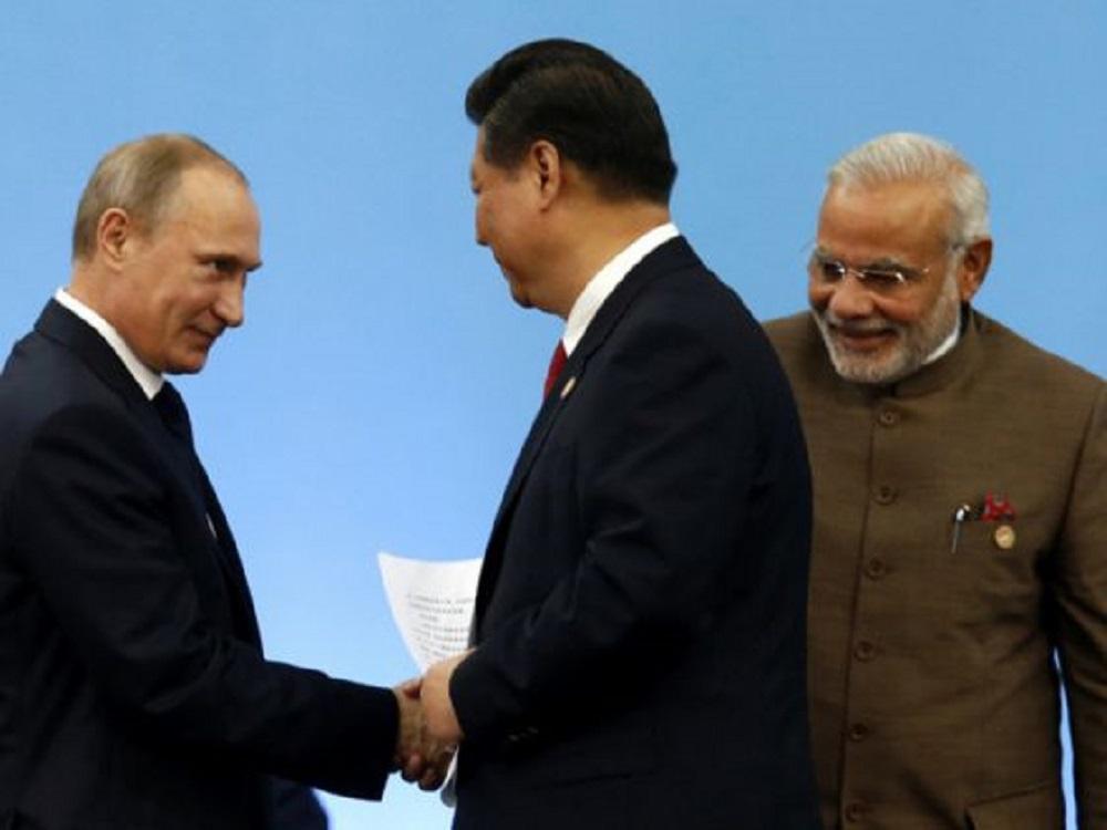 Kinh tế Trung Quốc suy yếu, Nga quay sang bán dầu cho Ấn Độ