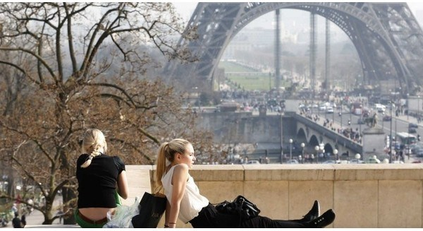 Vì sao người Pháp làm ít, chơi nhiều, vẫn thành công?