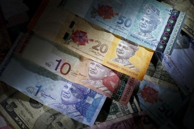 Đồng ringgit của Malaysia xuống thấp nhất 17 năm