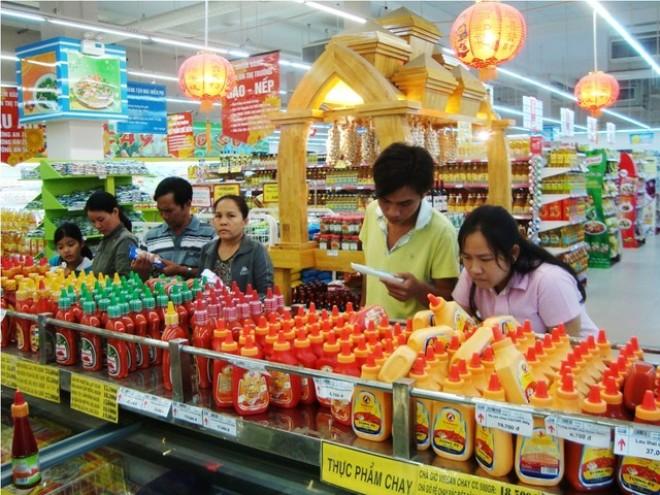 """Cuộc """"đổ bộ"""" của DN bán lẻ ngoại: Đe dọa các nhà sản xuất trong nước"""