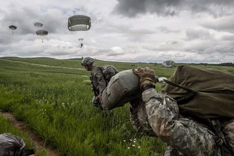 NATO và Nga 66 lần 'bên bờ chiến tranh' trong 18 tháng qua