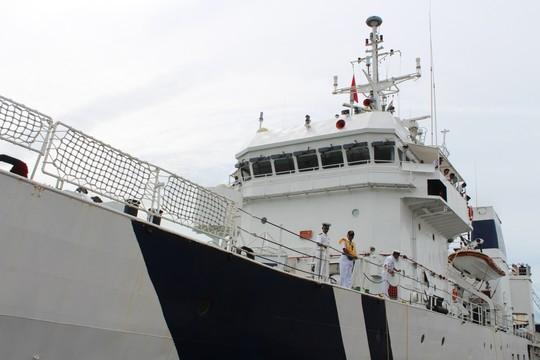 Tàu cảnh sát biển Ấn Độ cập cảng TP HCM