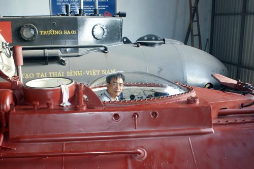 Doanh nhân Thái Bình chế tạo tàu ngầm lặn bùn, vượt cạn