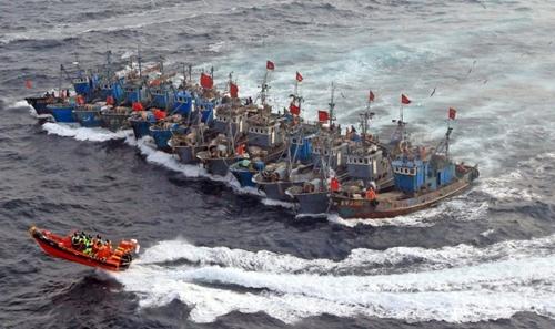Tàu cá dân quân - chiêu bài lách luật của Trung Quốc
