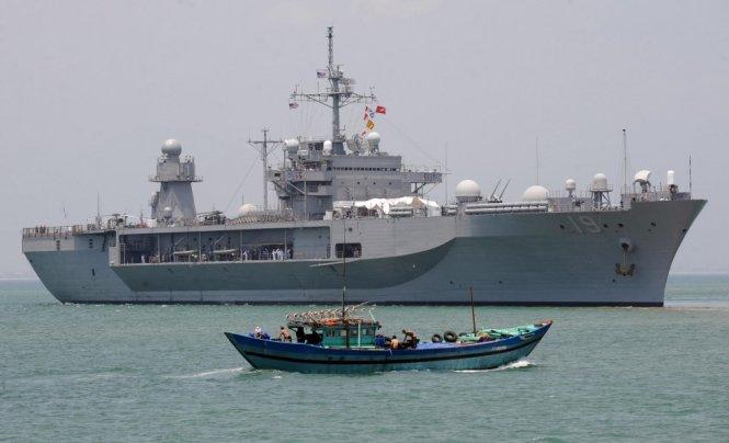 Ai quân sự hóa Biển Đông?