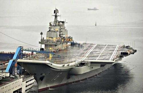 Trung Quốc xây bến tàu sân bay lớn nhất thế giới ở Biển Đông