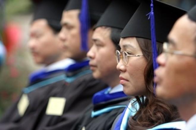 Thạc sĩ, cử nhân thất nghiệp: Vì đồng tiền chi phối?