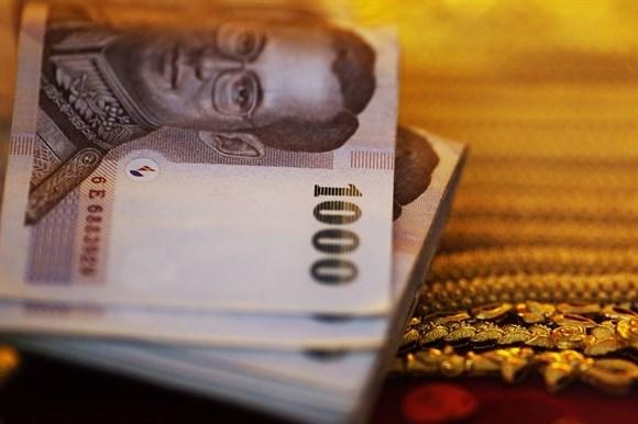 Thái Lan nới lỏng đầu tư ra nước ngoài, baht thấp nhất 6 năm