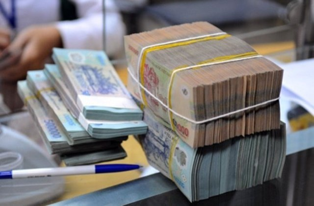 Bảy tháng, chi vượt thu ngân sách hơn 100.000 tỉ đồng